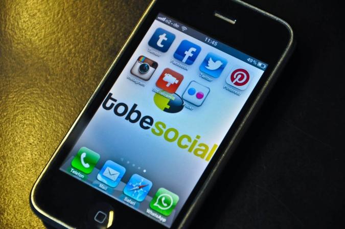 Grafik Smartphone Visual Social Media